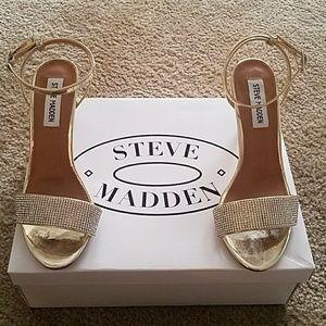 Steve Madden Gold Rhinestone heeled sandals Sz 6